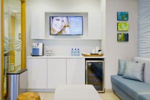 interior design Vancouver dental office beverage bar